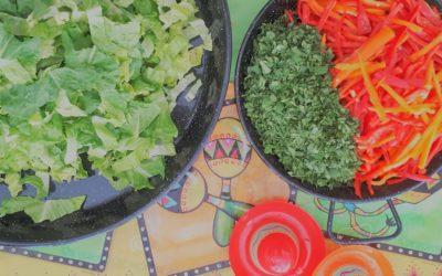 Salades, bouchées, cuisines du monde ou cuisines thématiques, quel menu traiteur choisir?